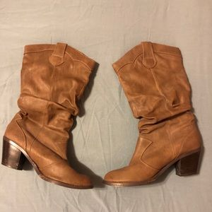 Cowgirl boots with heel size 9